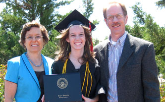 Melissa Olsen and her parents