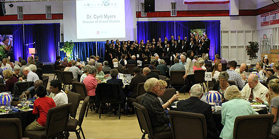 The Simpson University Chorale performs during the banquet